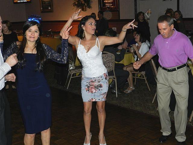 Singles dance ct